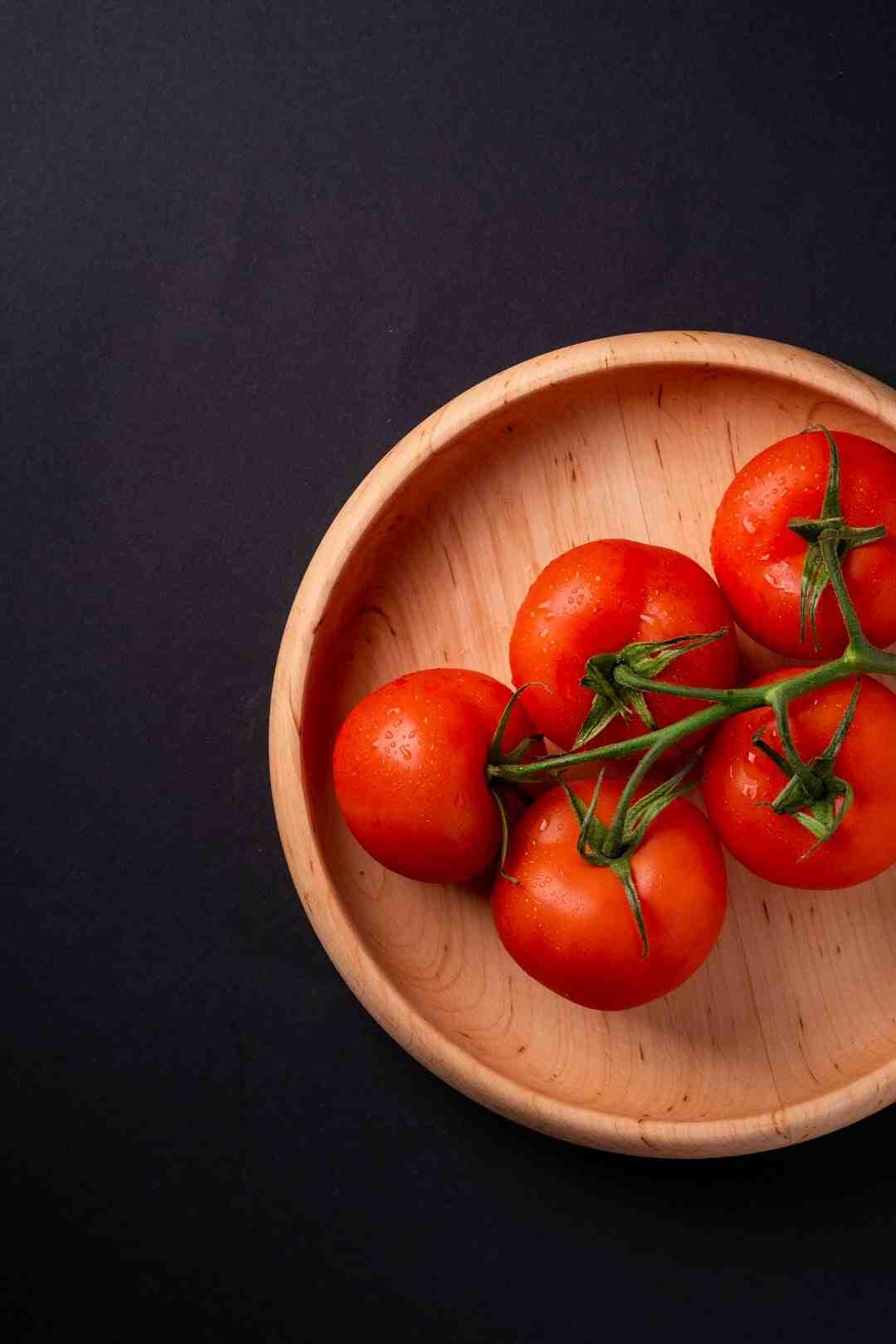 Quand fleurissent les tomates ?